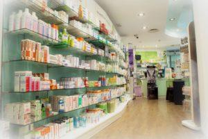 ¿Qué salidas tiene farmacia?