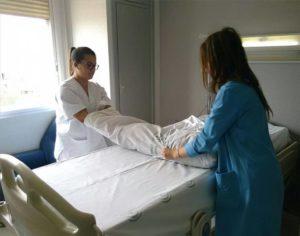 Diferencia entre un auxiliar de enfermería y un enfermero